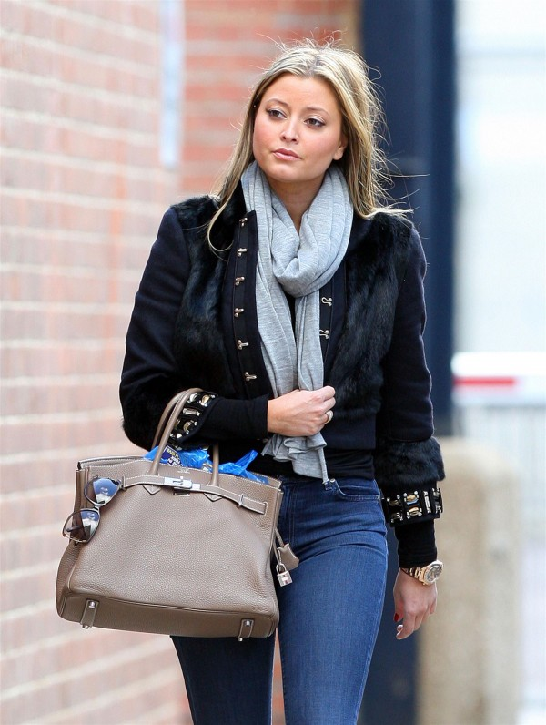 Holly Valance in Tight Jeans