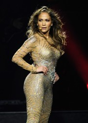 Jennifer Lopez Performs at Mohegan Sun's