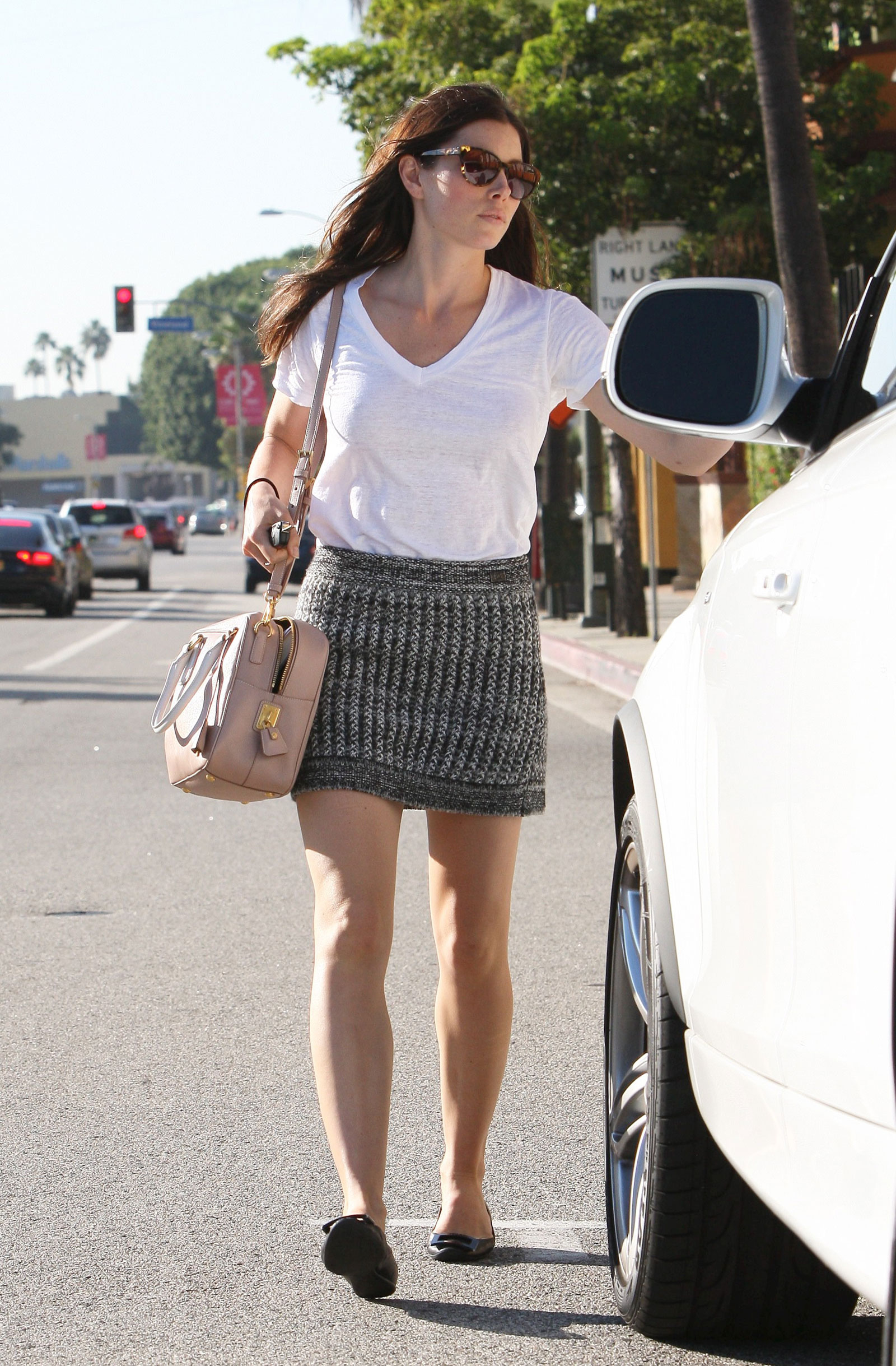 jessica biel in short skirt in studio city hawtcelebs