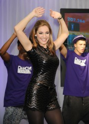 Kelly Brook Dancing