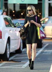 Mena Suvari Shopping at Whole Foods in Los Angeles
