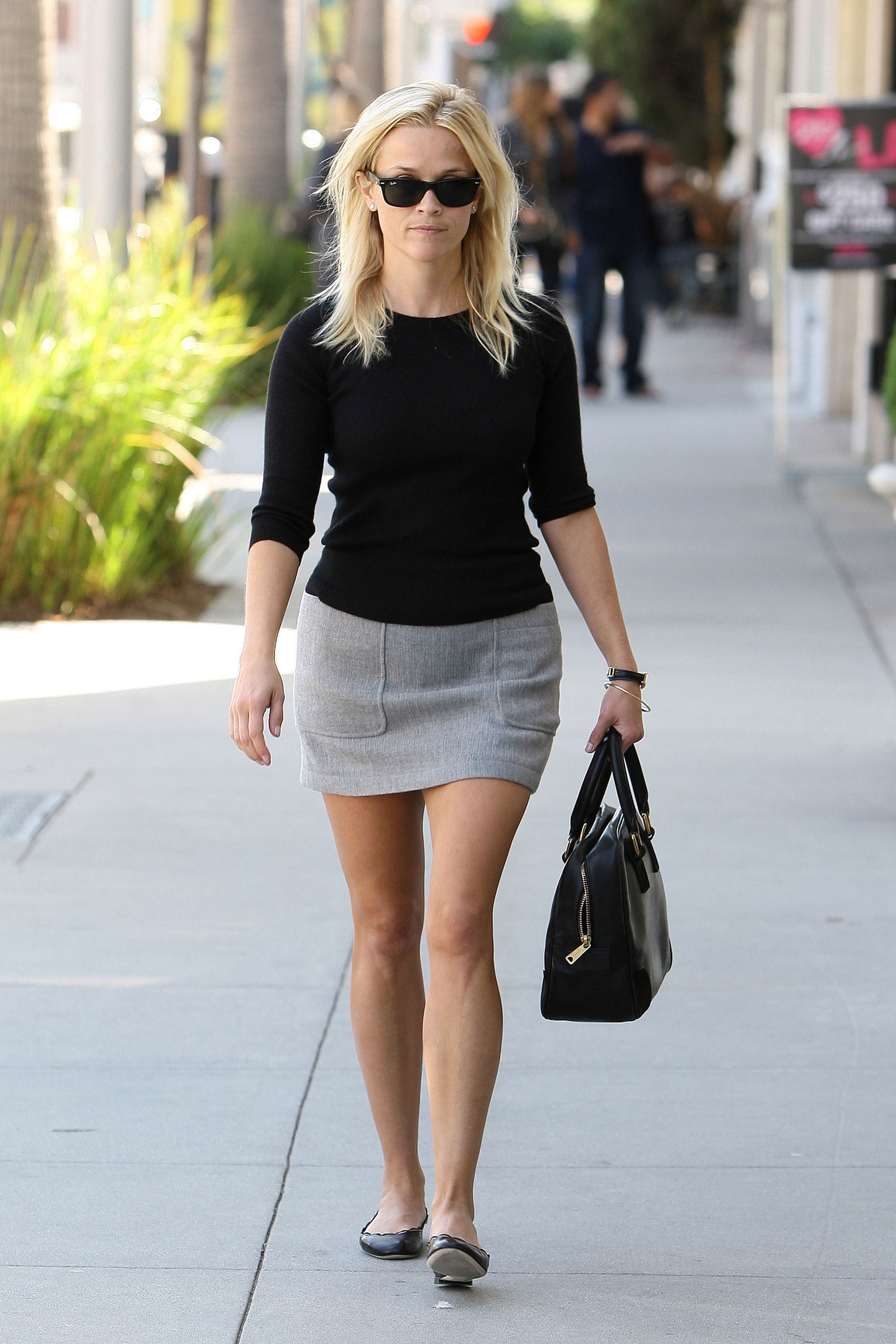 Reese Witherspoon in Beverly Hills - HawtCelebs - HawtCelebs Reese Witherspoon