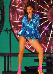 Rihanna Performs at SECC in Glasgow