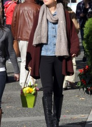 Selena Gomez Buying Flowers
