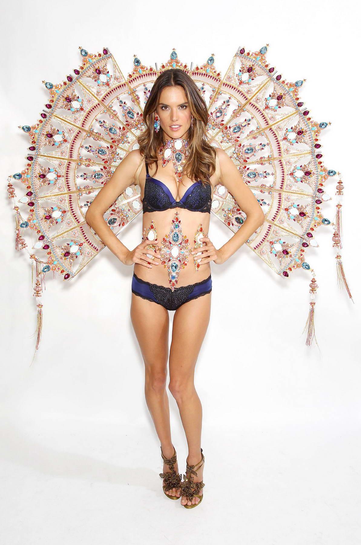 f0e97e19961 Alessandra Ambrosio at Victoria s Secret Fashion Show 2011 Fittings ...