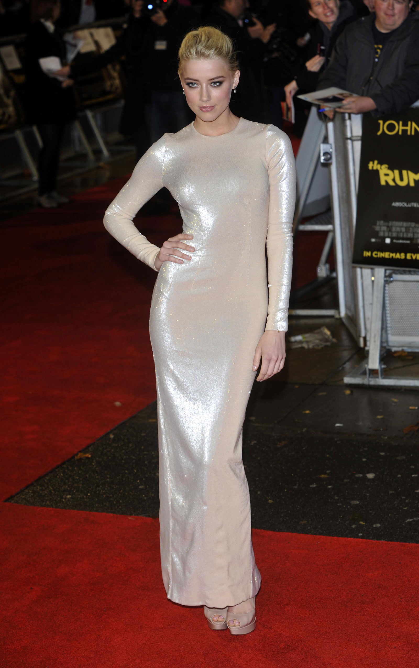Amber Heard At The Rum Diary Premiere In London 62 Photos