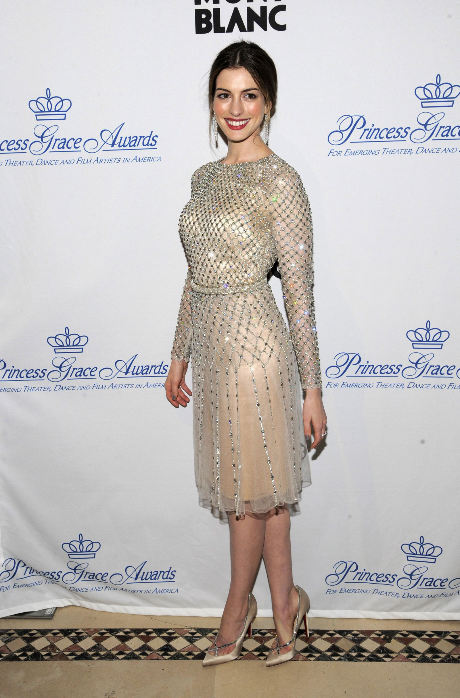 anne hathaway at the princess grace awards gala in new