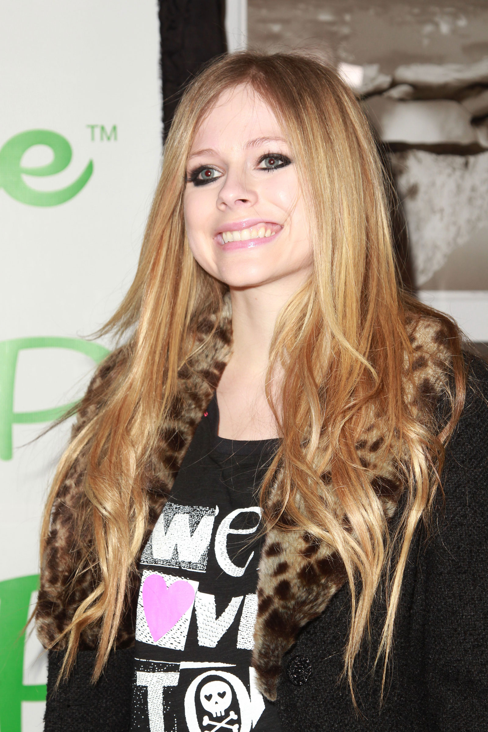 Avril lavigne at picksie 2 0 launch party in new york hawtcelebs