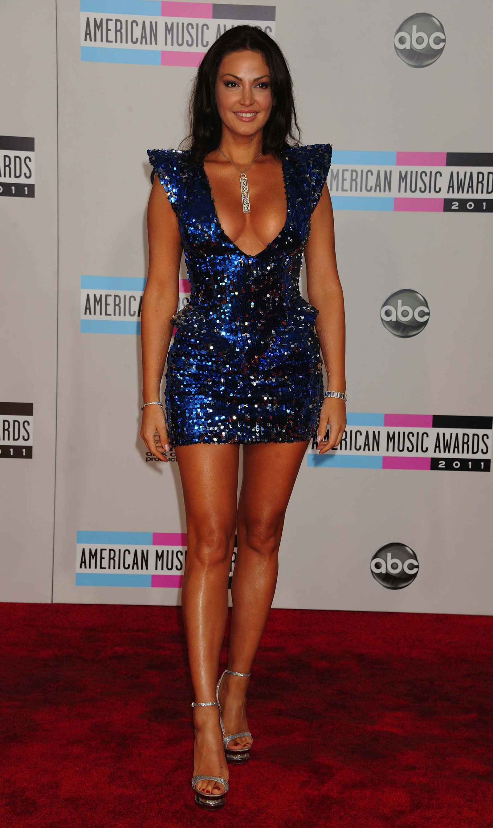 bleona qereti at 39th annual american music awards in los