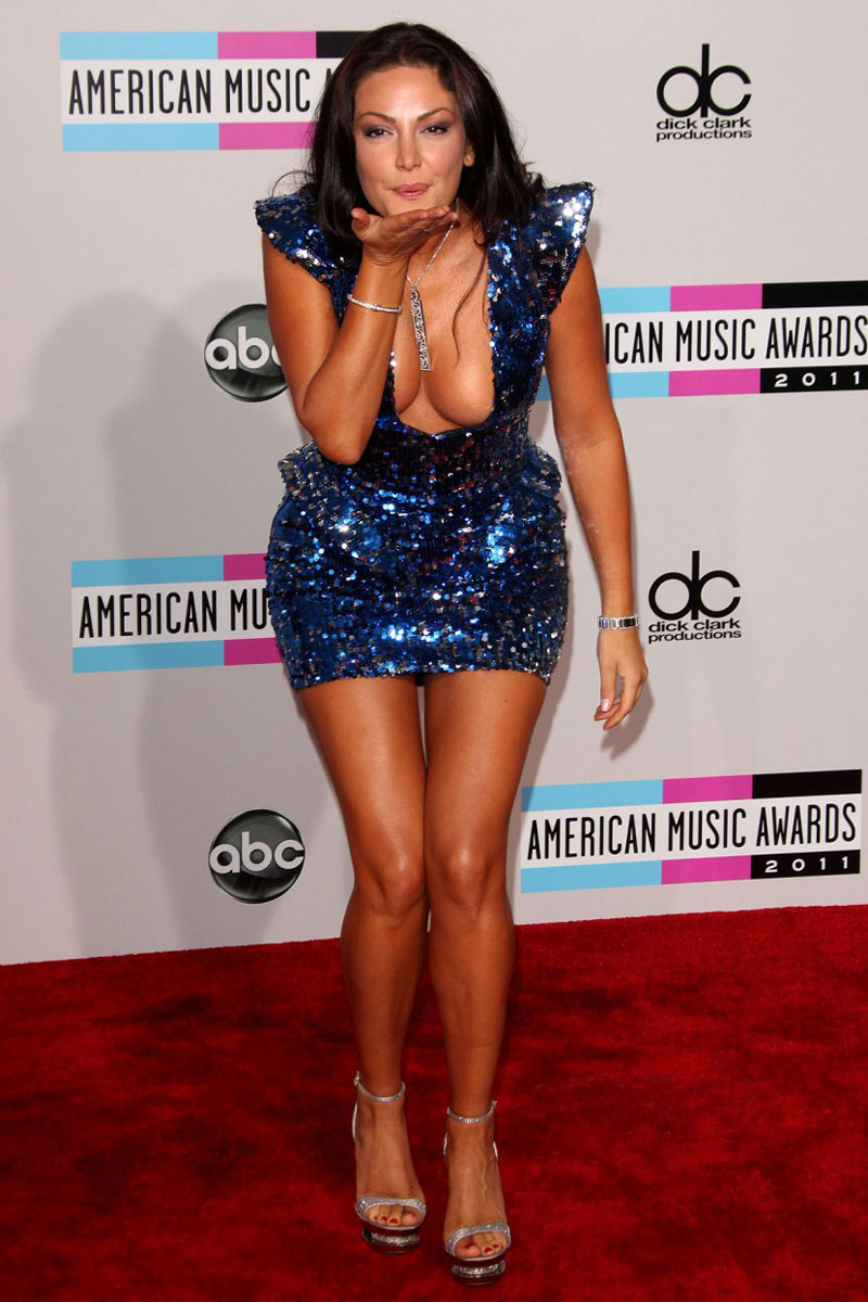 Bleona Qereti at 39th Annual American Music Awards in Los Angeles