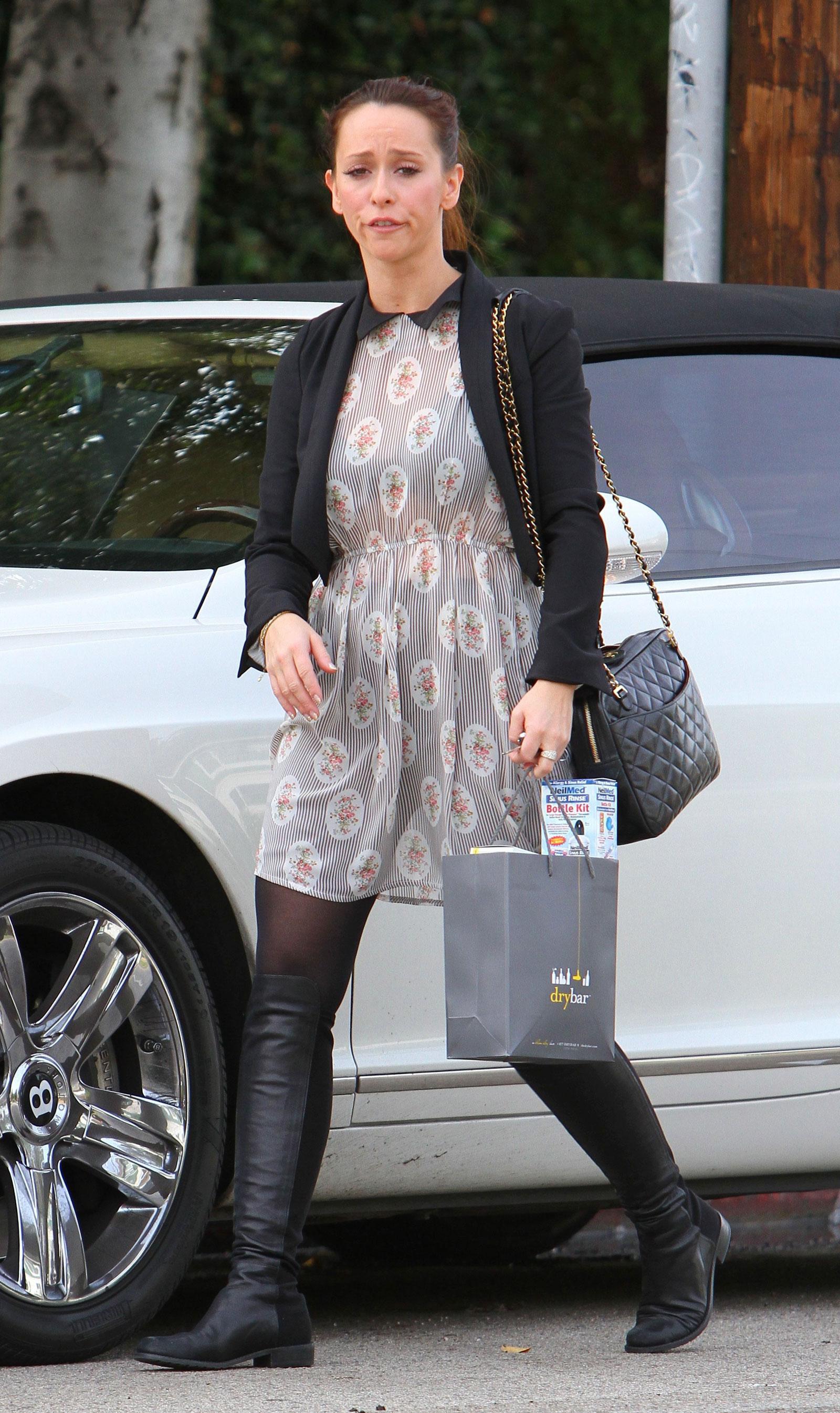 Jennifer Love Hewitt i...