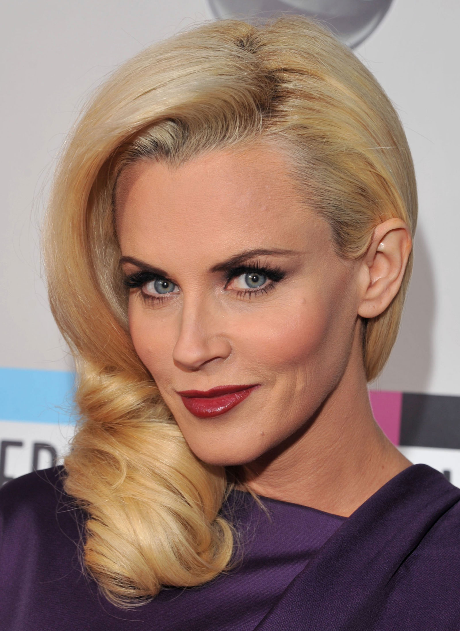 Jenny McCarthy at 39th Annual American Music Awards in Los Angeles ...