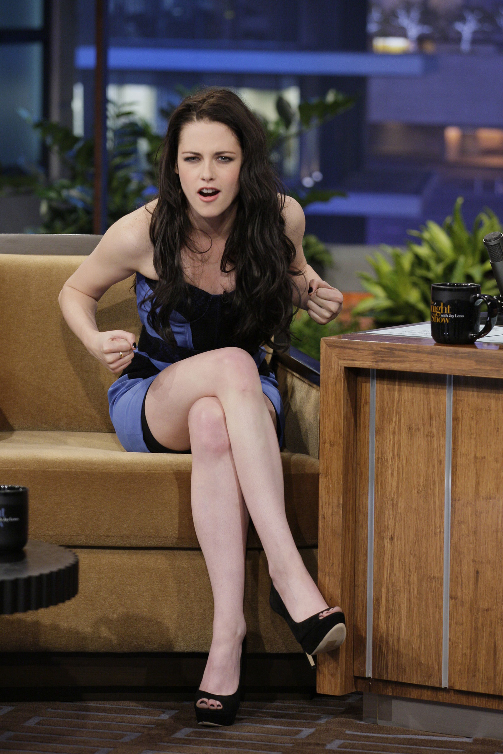 kristen stewart at the tonight show with jay leno hawtcelebs