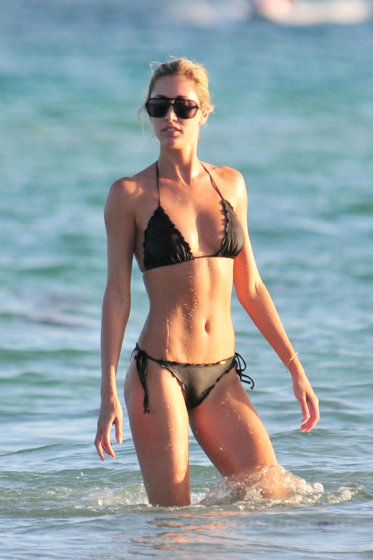 Bikini Lauren Stoner nude (45 photos), Sexy, Is a cute, Boobs, see through 2006