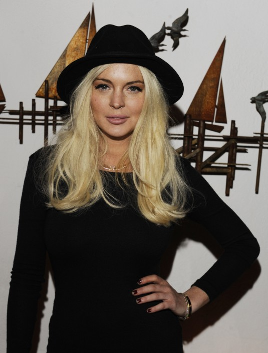 Lindsay Lohan Attends the Lana Gomez Art Show
