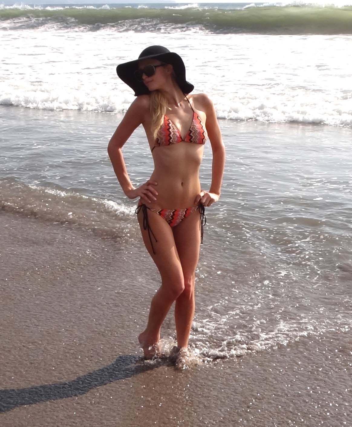 Paris hilton nude on beach