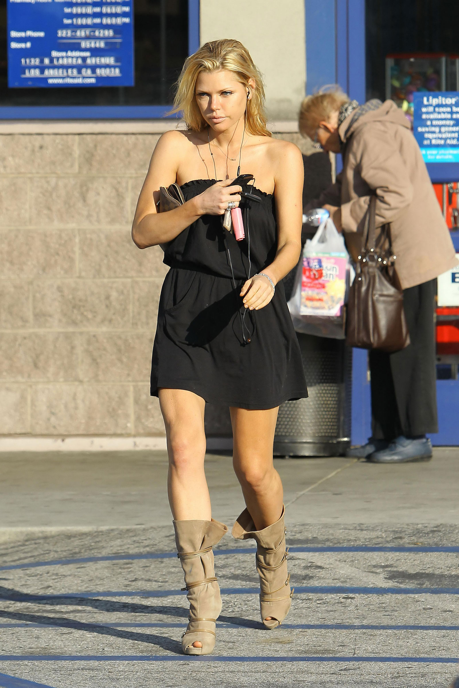 Sophie Monk Leggy Candid in West Hollywood