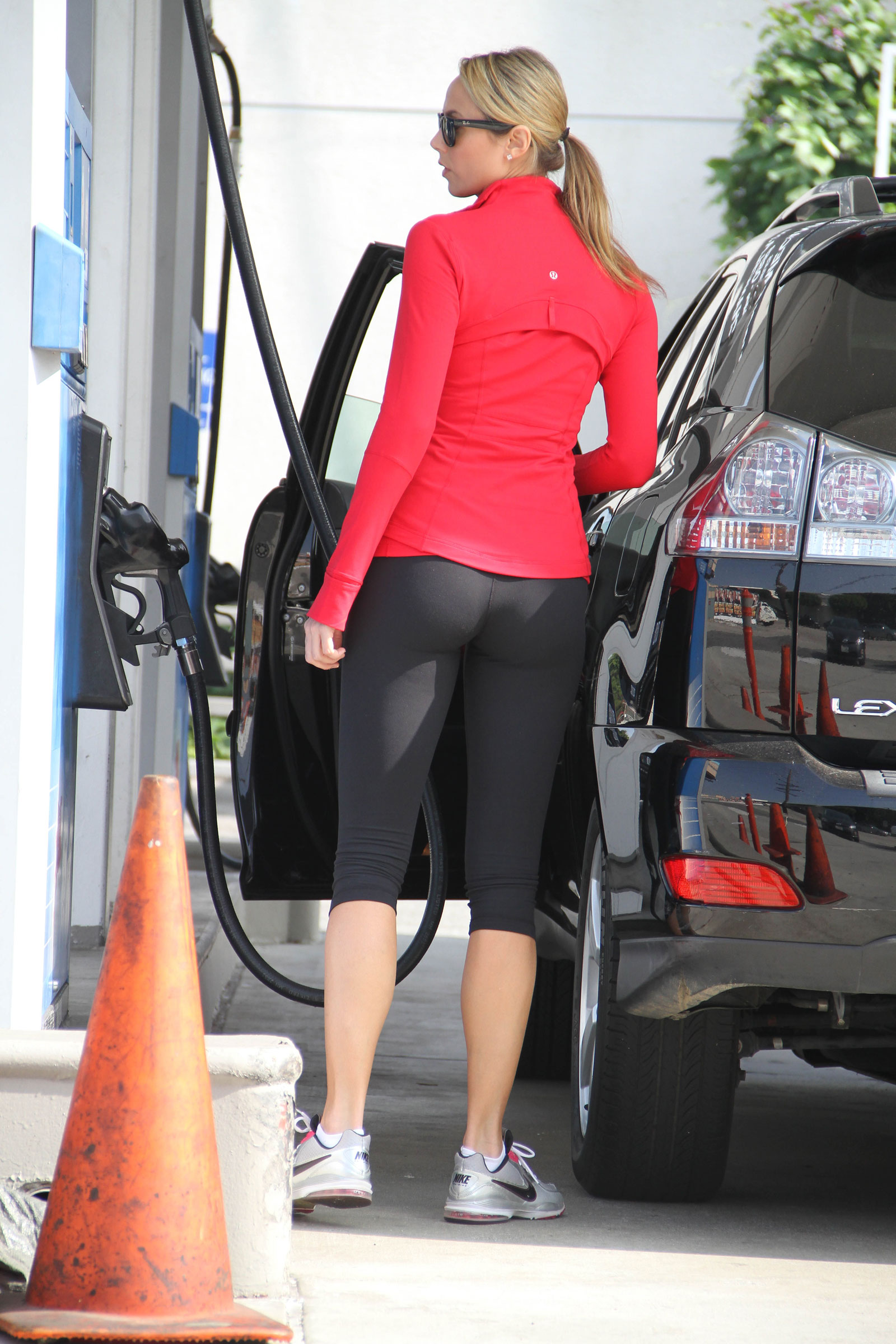 Stacy Keibler In Spandex At Gas Station Hawtcelebs