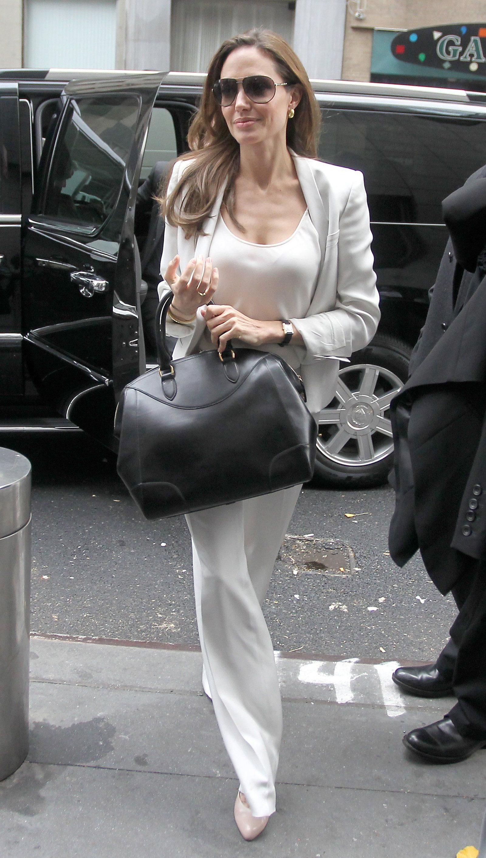 Angelina jolie no clothes video, priya sex story tmail