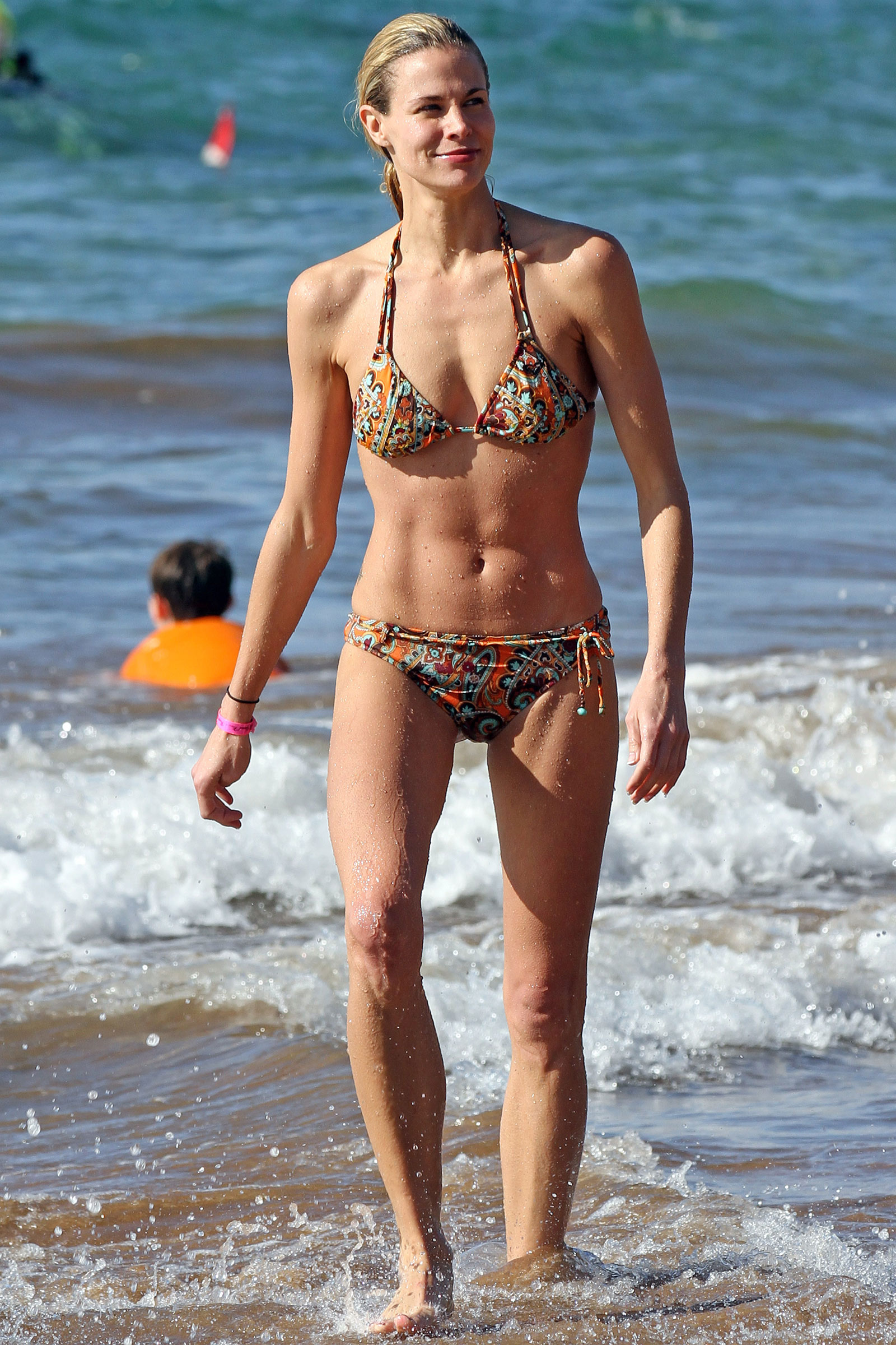 Brooke Burke Sexy (5 Photos + Video) | #TheFappening
