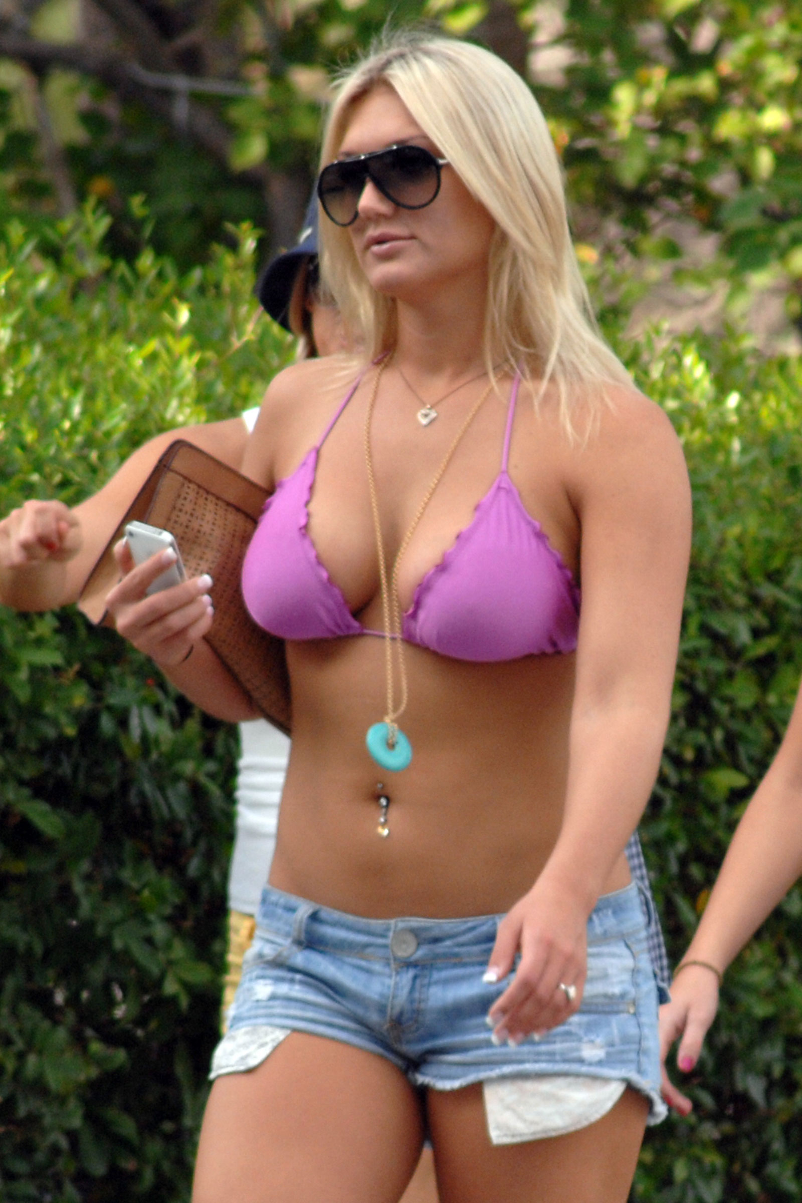 Opinion the Nude brooke hogan thong apologise, but