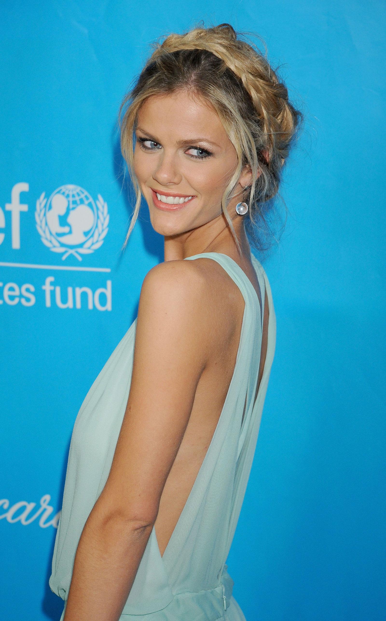 Brooklyn Decker at 2011 UNICEF Ball in Los Angeles ...  Brooklyn