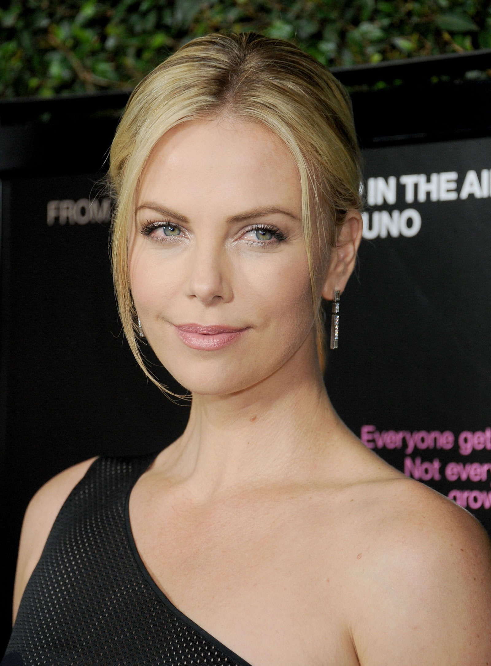 Young Charlize Theron naked (21 photo), Ass, Sideboobs, Twitter, swimsuit 2017