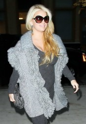 Jessica Simpson and Baby Bump Head Out for the Night in NYC