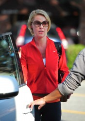 Katherine Heigl Leaving Bungalow Cafe in Los Angeles