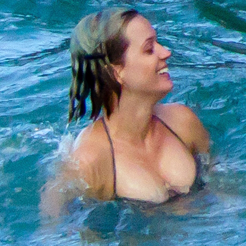 Katy Perry in Bikini Enjoys Sunny Day in Hawaii