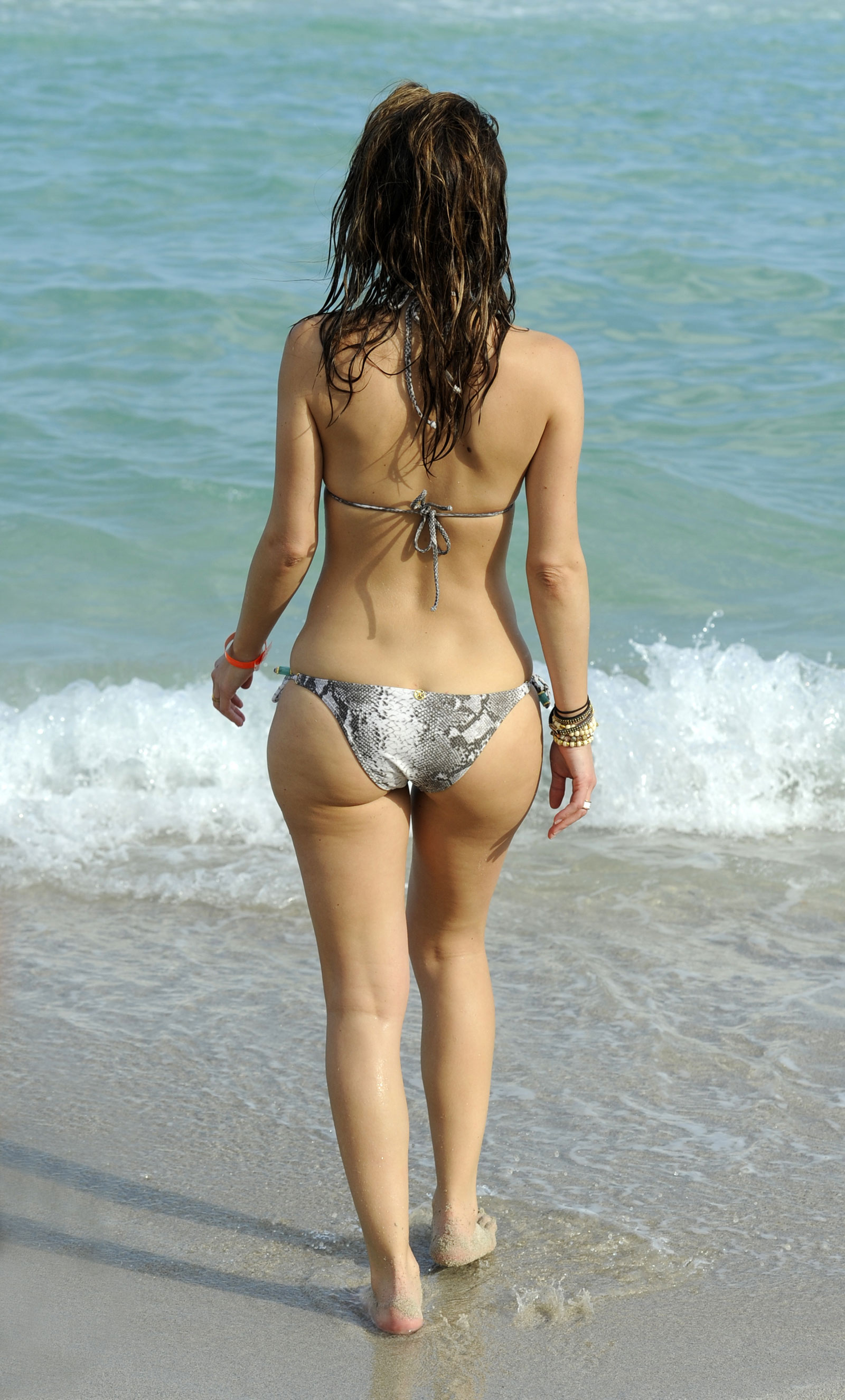 Maria menounos bikini uncensored