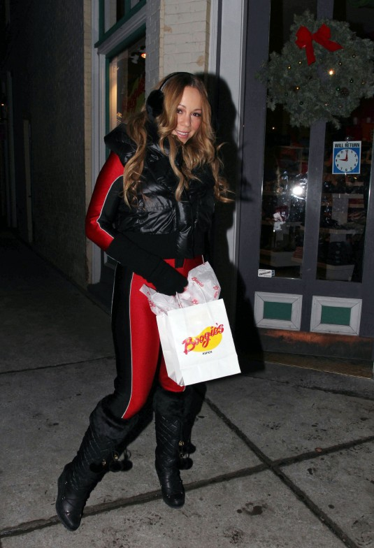 Mariah Carey in Tight Spandex Out in Aspen - HawtCelebs