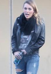 Miley Cyrus and Cheyne Thomas At Panera Bread In Hollywood
