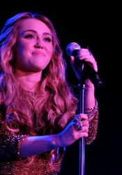 Miley Cyrus - Trevor Live At The Hollywood Palladium In LA