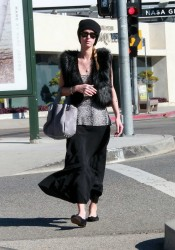 Nicky Hilton Shopping Candids in Los Angeles