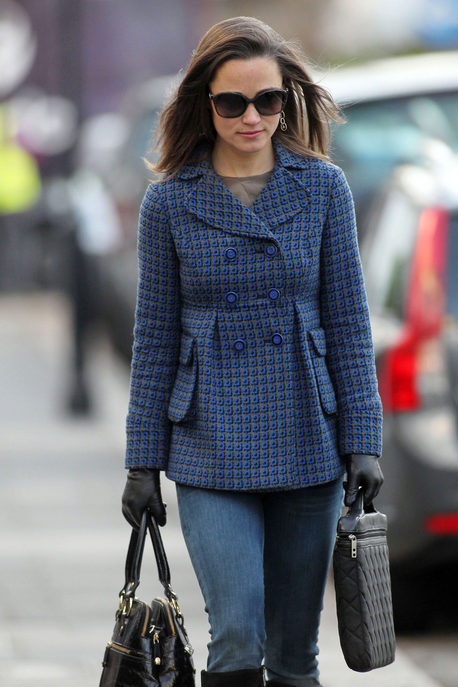 pippa middleton walking to work in chelsea hawtcelebs pippa middleton pippa middleton walking to work in chelsea pippa middleton middot pippa middleton
