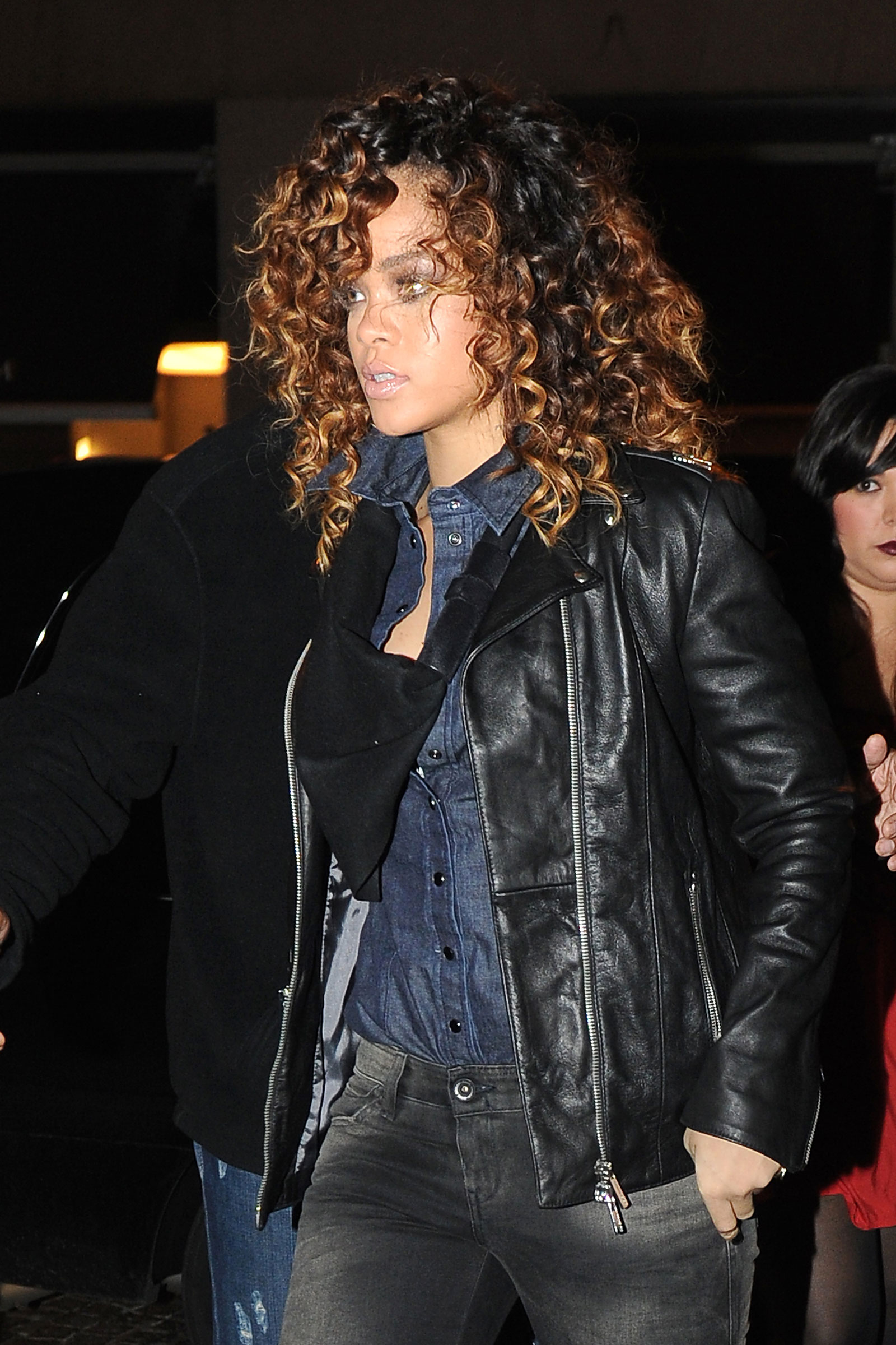 Rihanna At Armani Boutique In Milan Italy Hawtcelebs