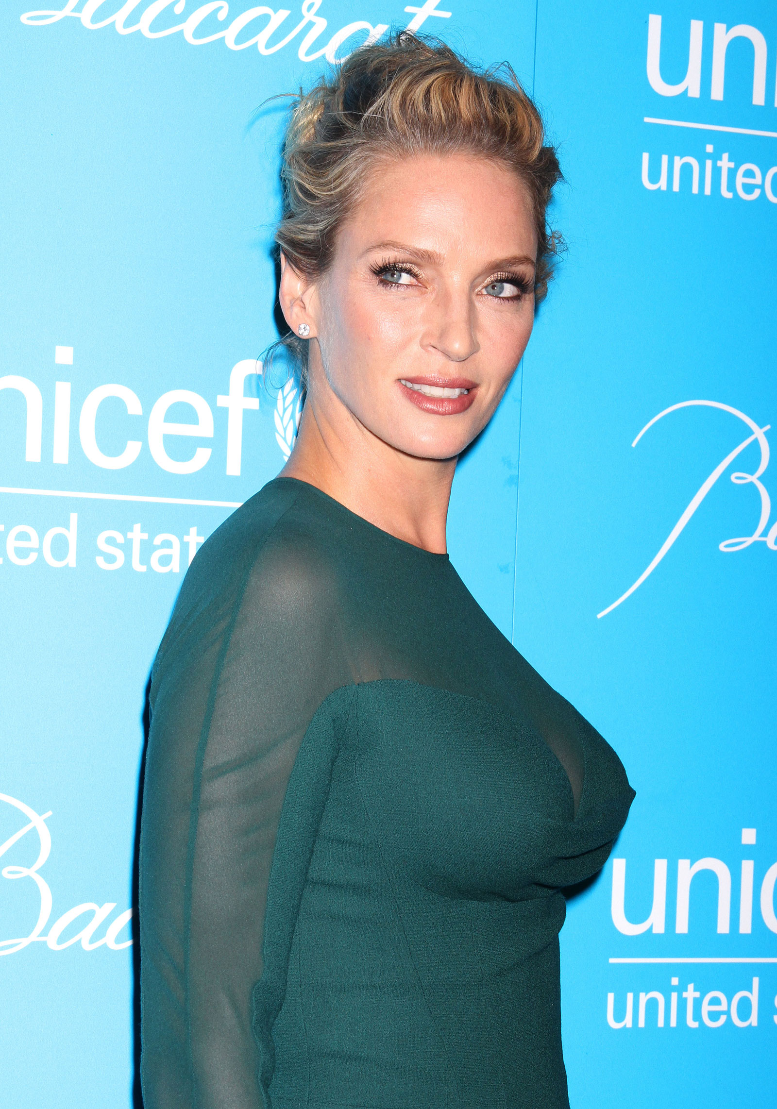 Uma thurman at unicef snowflake ball in new york