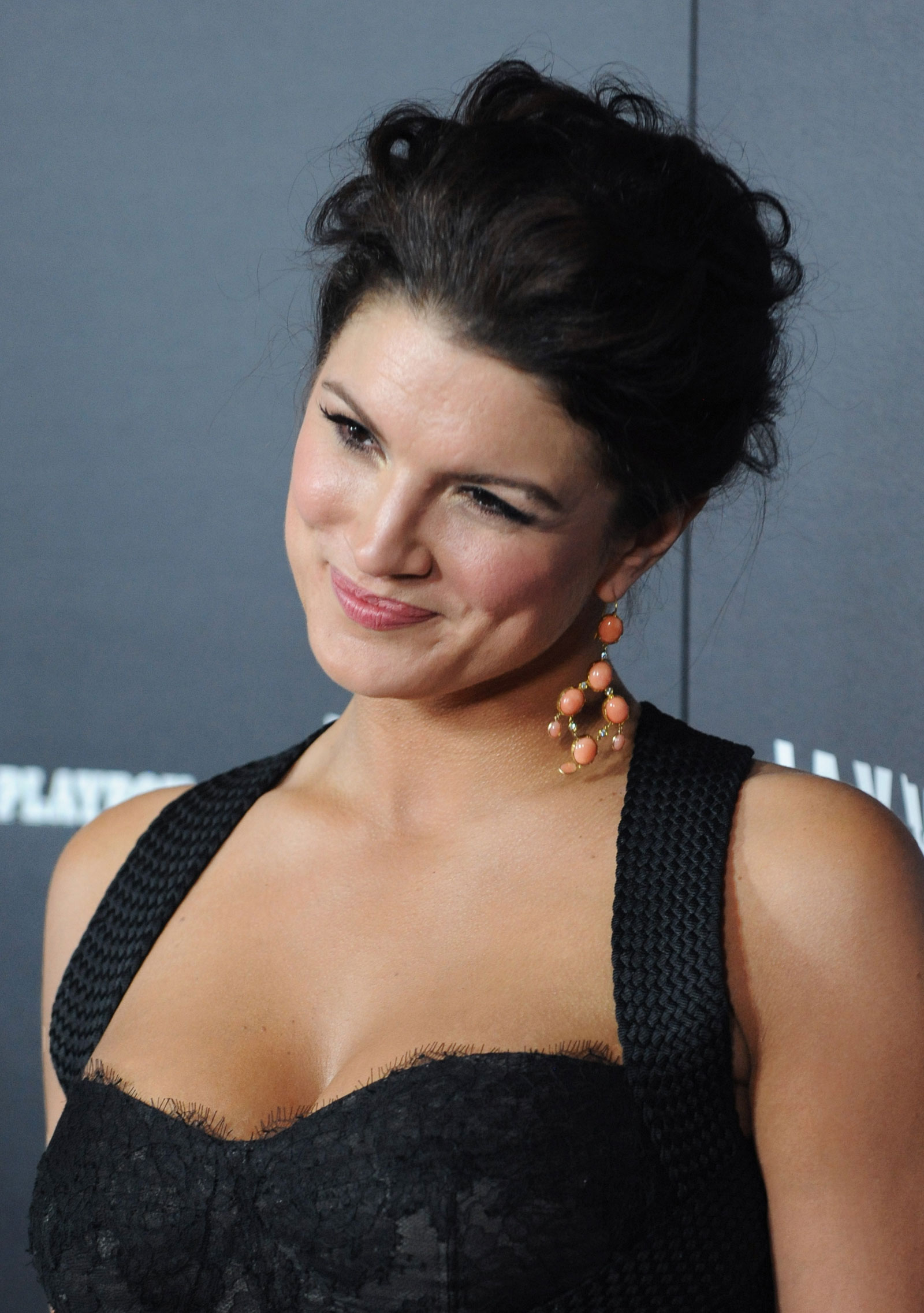Gina Carano at Haywire Premiere in Los Angeles - HawtCelebs ...