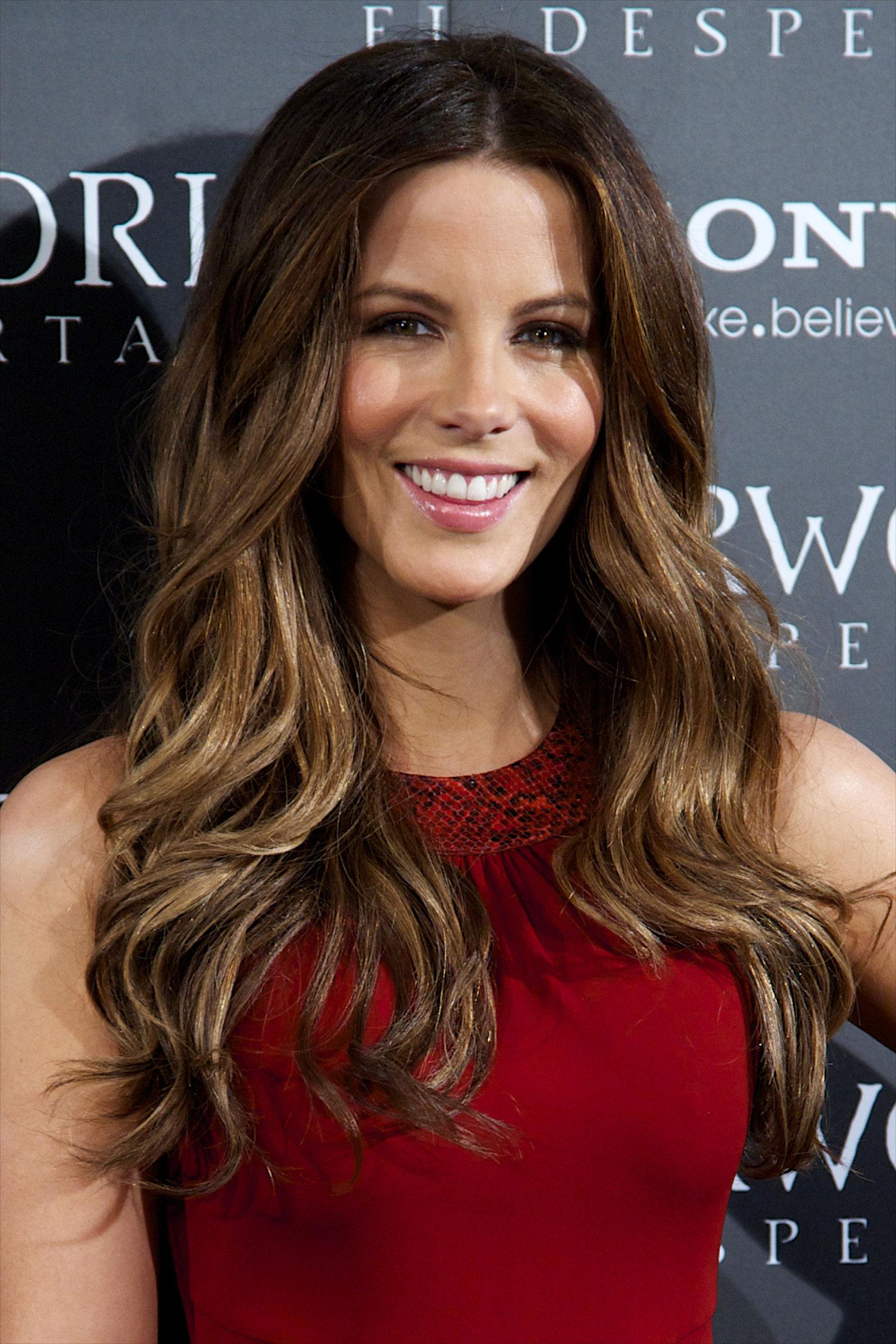 называется контрслой голливудские звезды с длинными волосами фото также ограничиваться