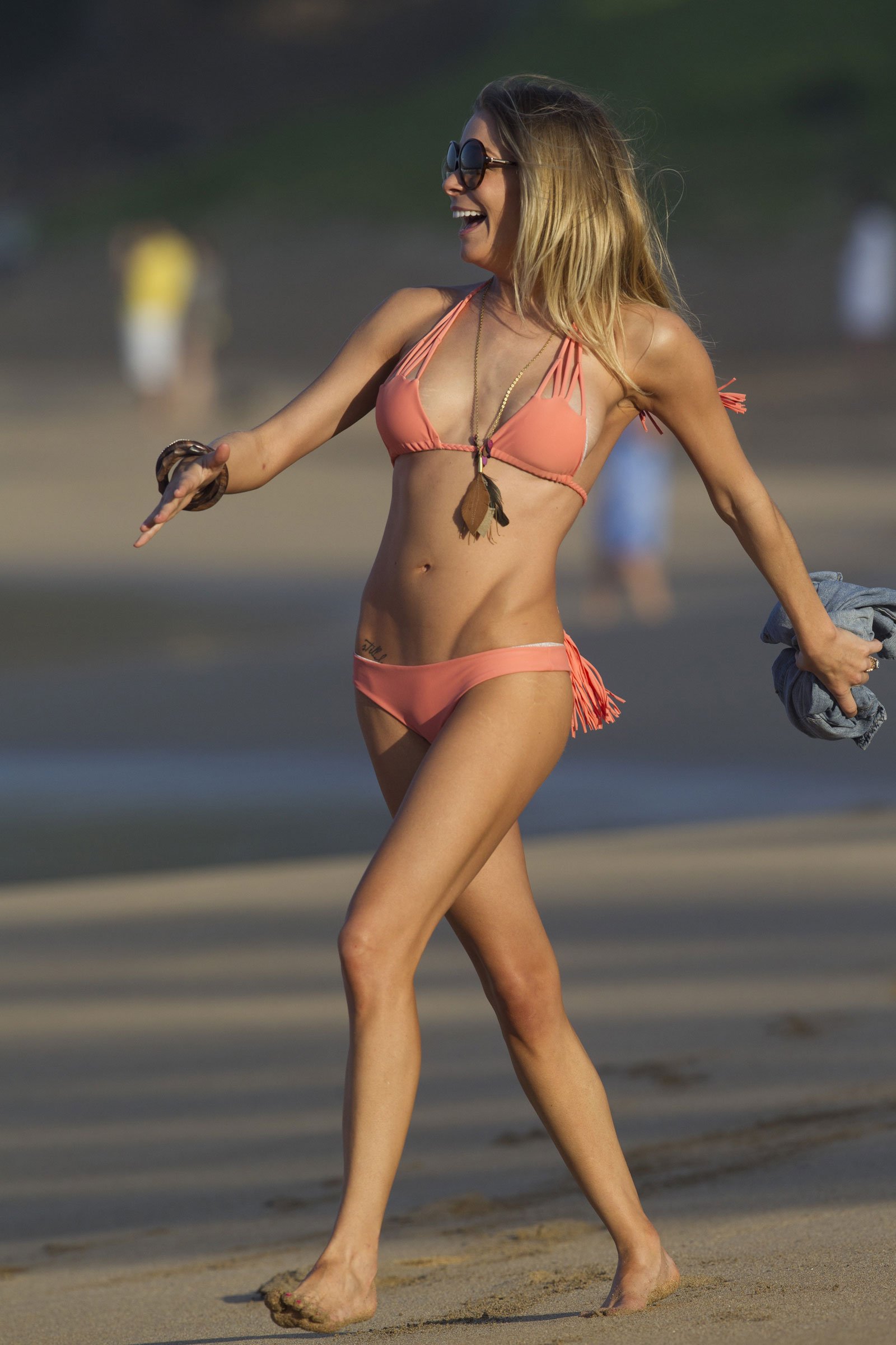 leann-rimes-wearing-a-bikini-naked-skinny-nudist-families