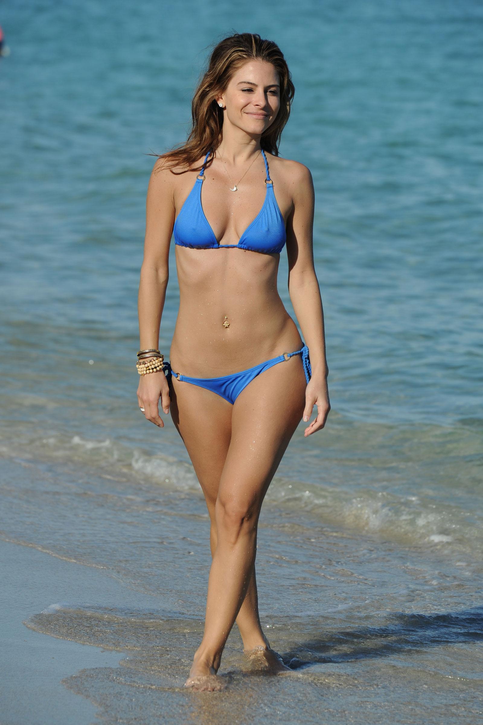 menounos bikini Maria