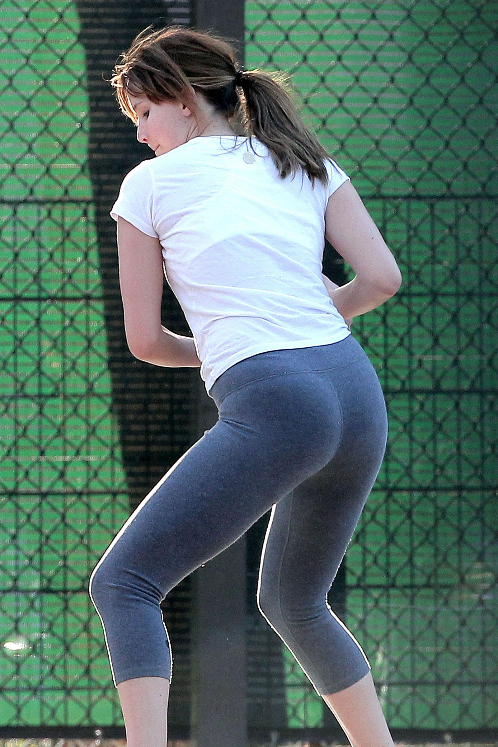 Jennifer Lawrence Yoga Pants