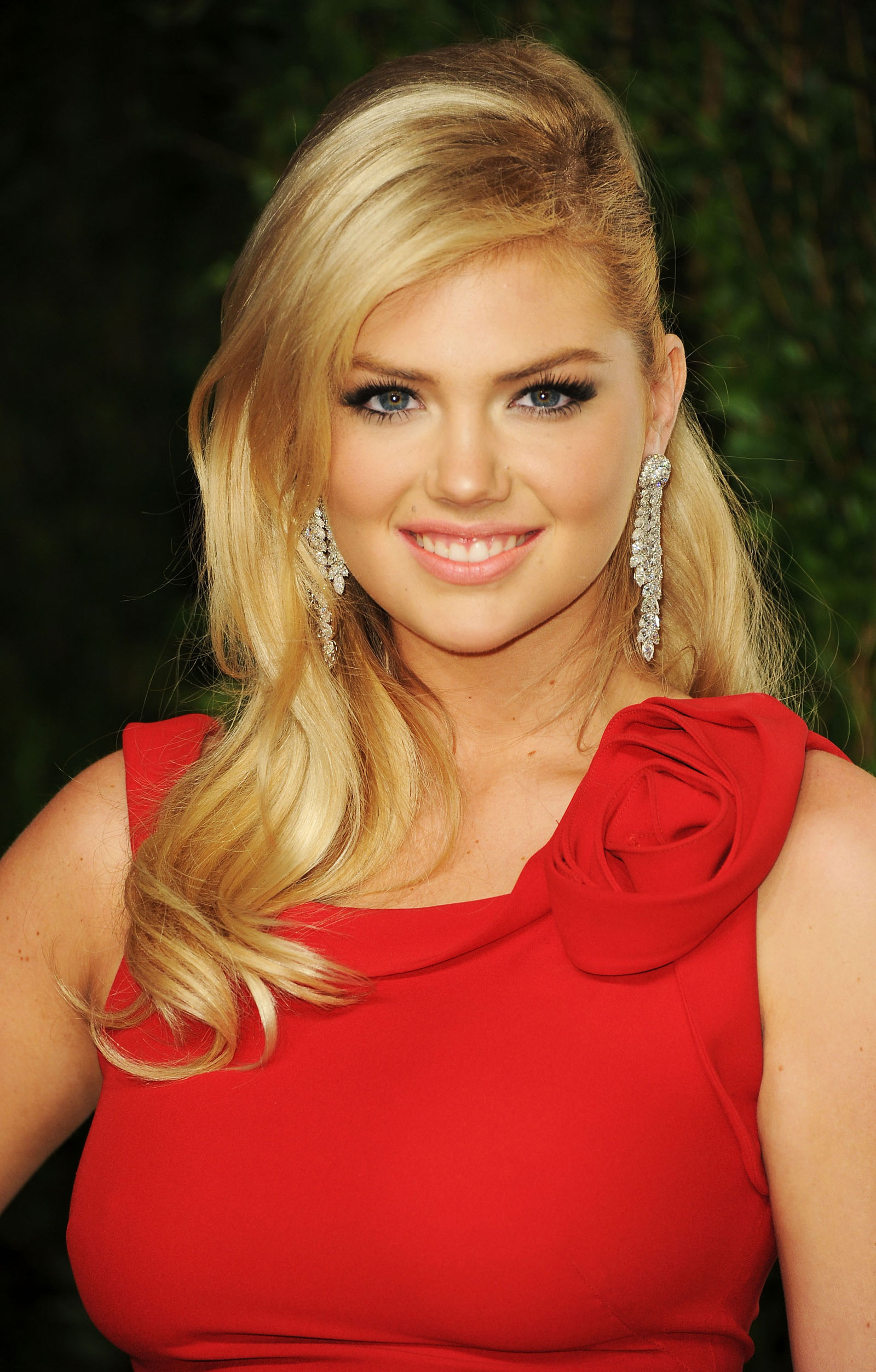 Kate Upton At 2012 Vanity Fair Oscar Party At Sunset Tower