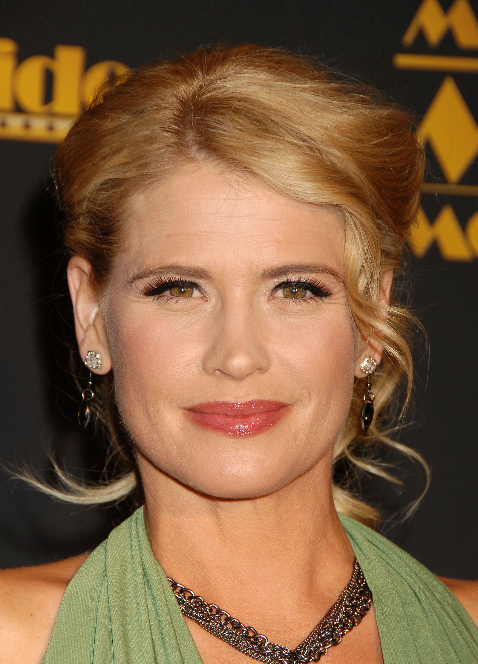 kristy swanson the chase