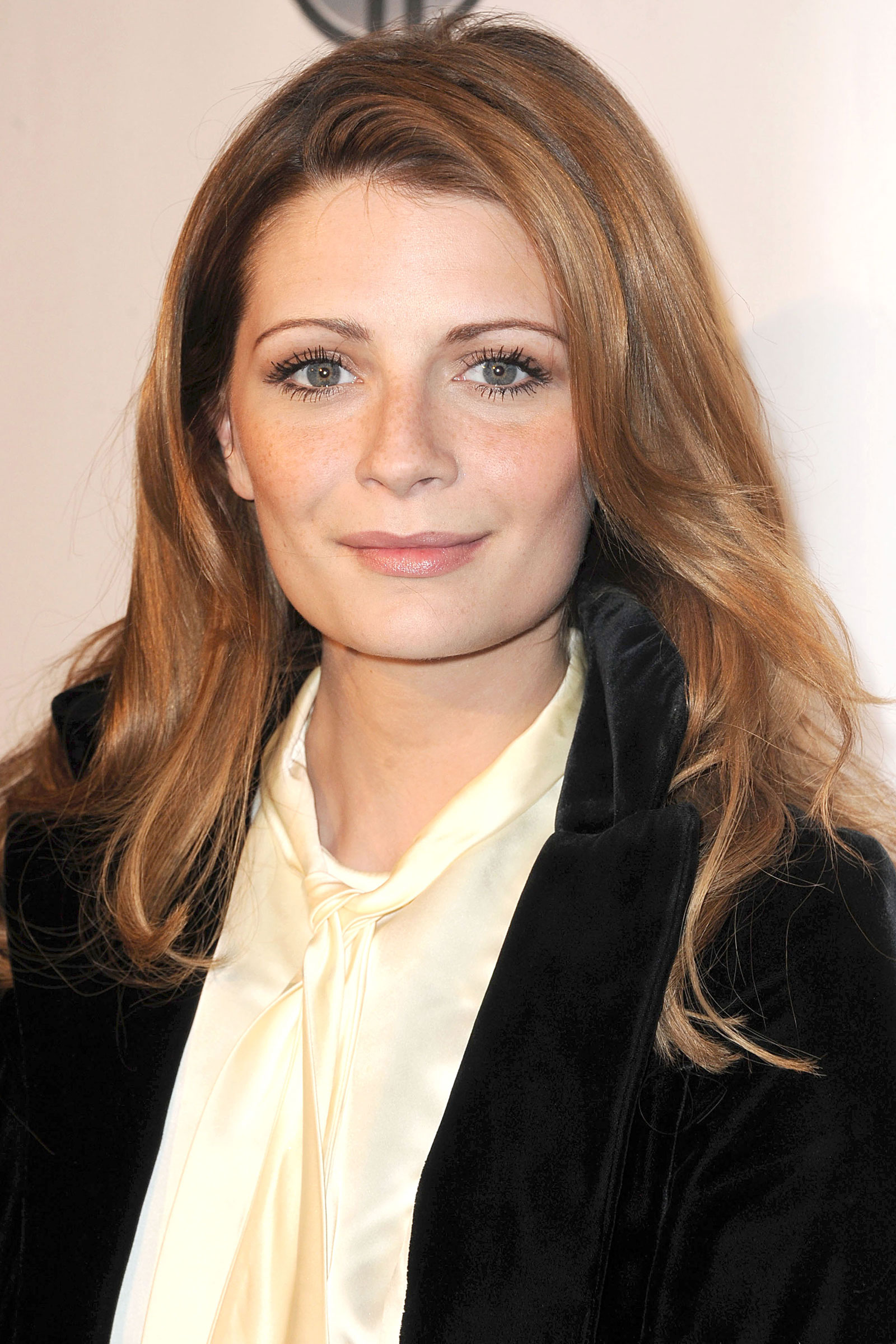 Mischa Barton at Domingo Zapata's Oscar Art Show in Beverly Hills ... Mischa Barton