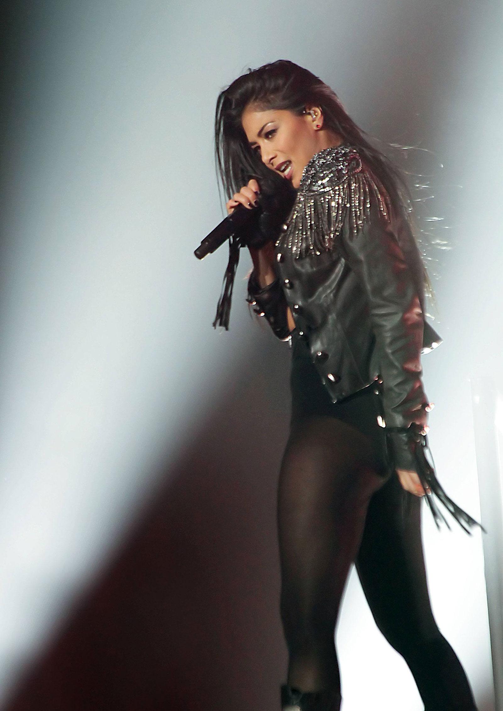 Demi lovato live sexy compilation 3 - 1 part 5