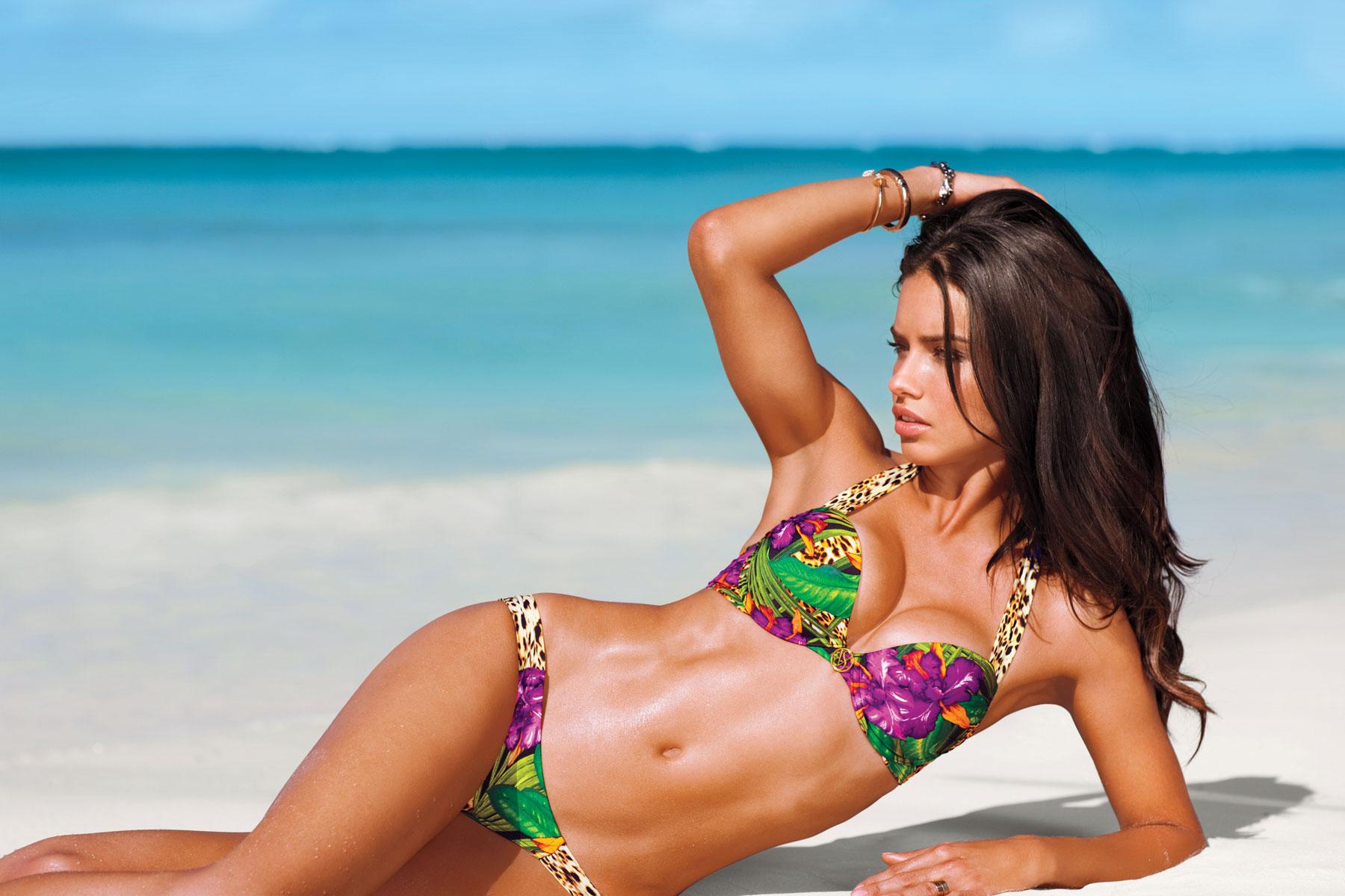 Resultado de imagen para bellas en bikini