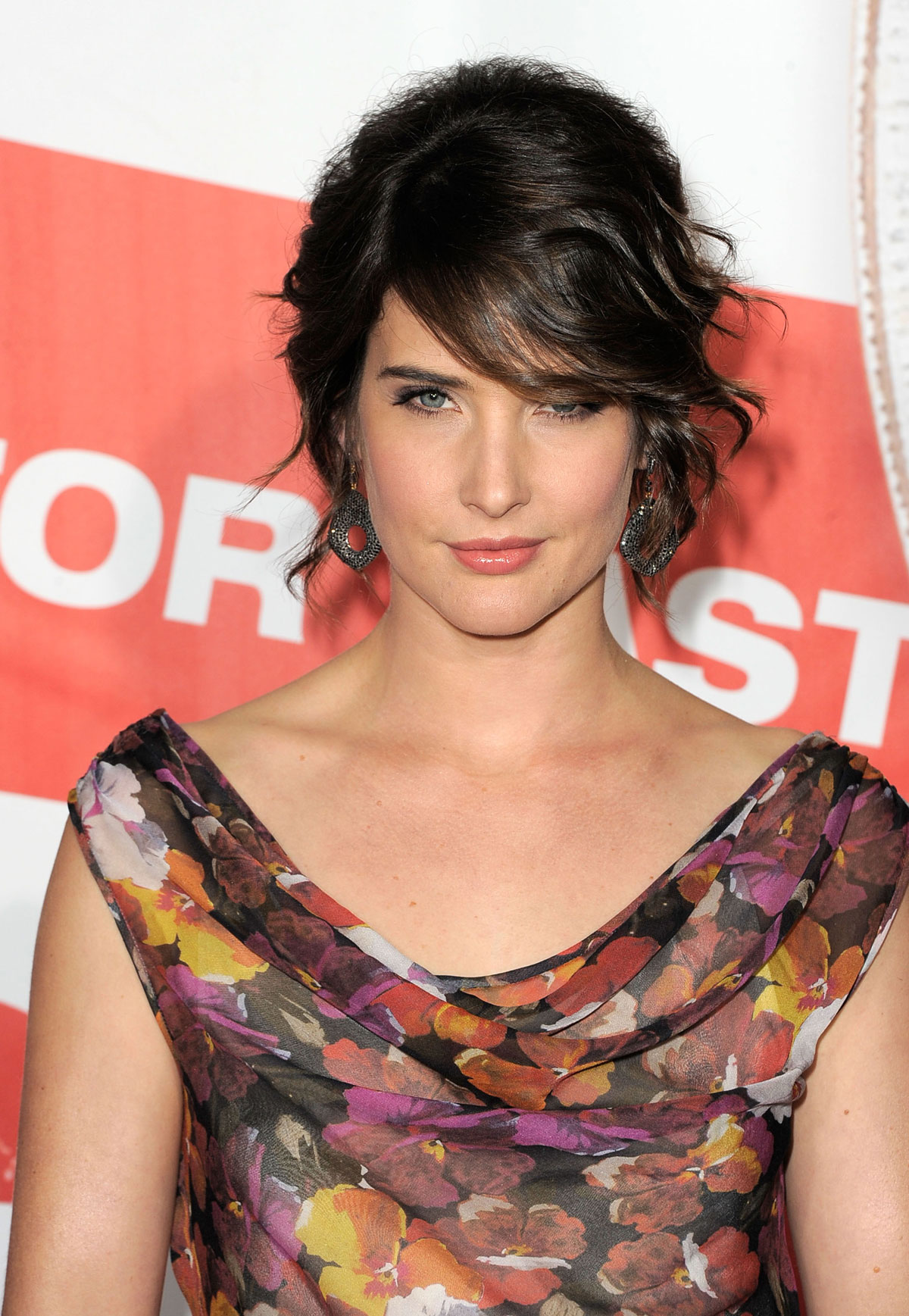 Cobie Smulders - Photo Gallery