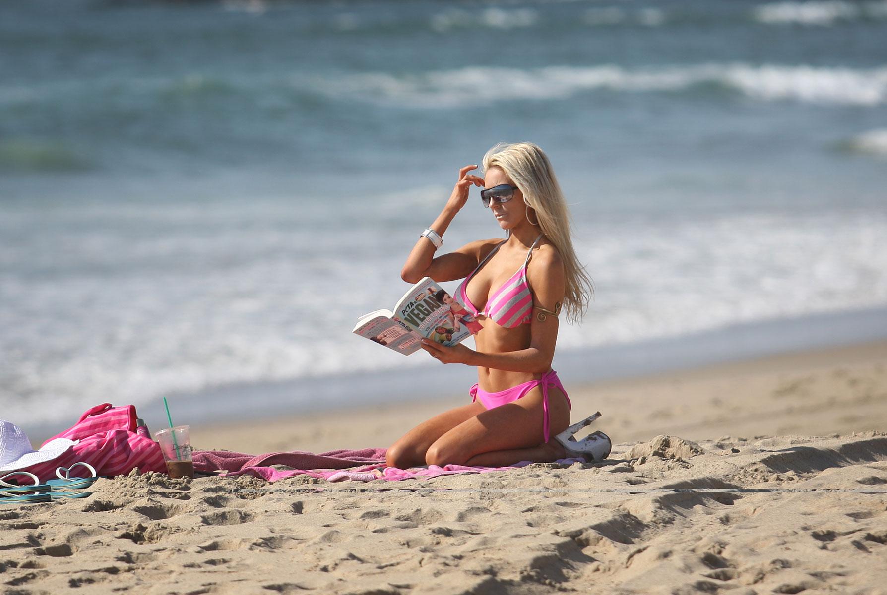 Courtney Stodden in Bikini on the beach in Malibu Pic 22 of 35